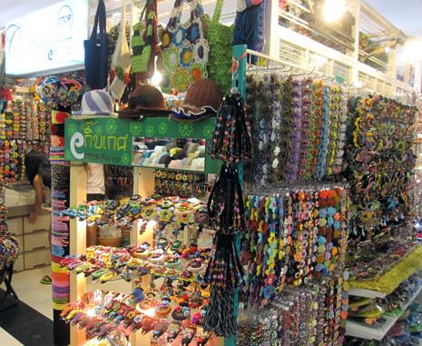 6173a314e46b4 お店の人がひとつひとつハンドメイドで作っていて、とても雰囲気があってカワイイんですよ。