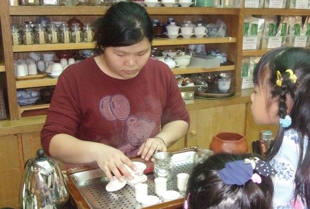 【台北・オススメのお店】キモチよくお茶が選べる「新純香」、3日間通う価値があるマンゴーかき氷が絶品の「冰讃」へ