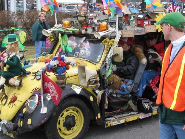 【ハワイ総研143】カラカウアで盛大なパレード、ダウンタウンでパーティ…3月17日は「セントパトリック・デー」で盛り上がろう!